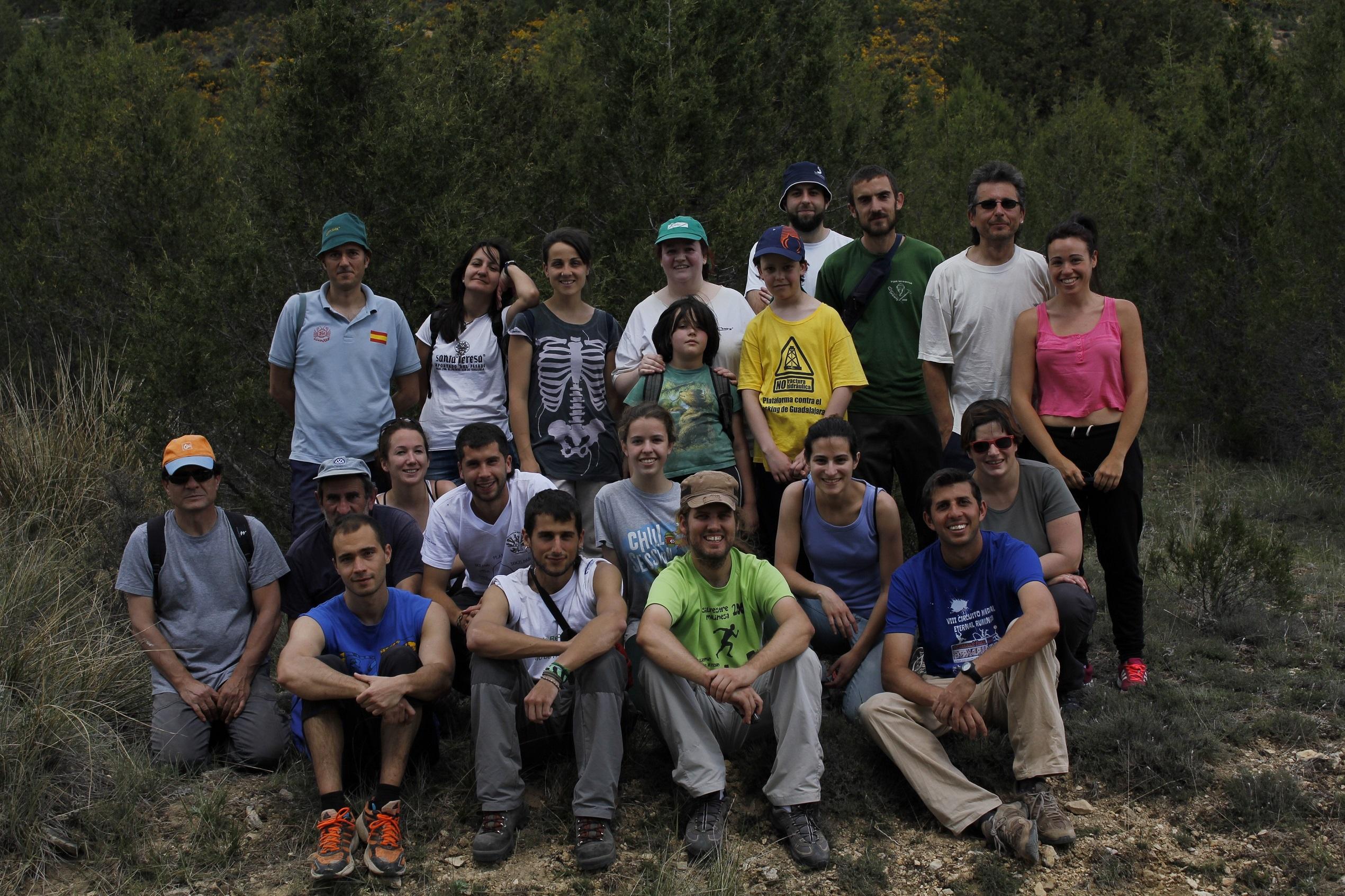 Voluntarios participantes en la actividad de Manantiales Vivos del 10 de mayo.
