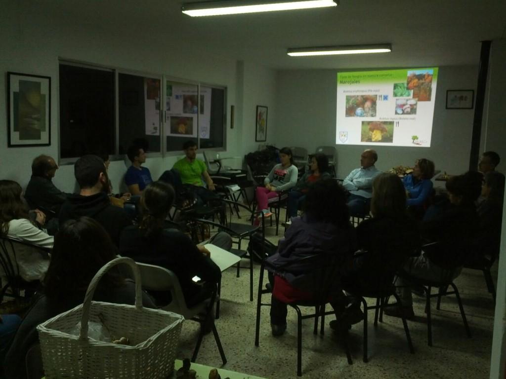 Mesa redonda para resolver dudas entre todos los participantes
